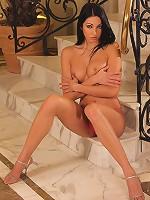 Brigitte Hunter sexy pose